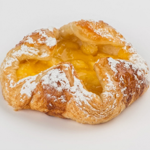 Volcán de manzana tamaño. manzana y crema pastelera
